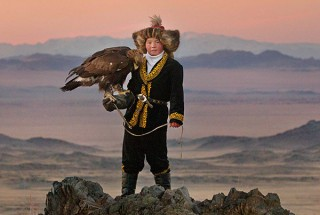 --COEUR_Photo-Film-THE-EAGLE-HUNTRESS_OK